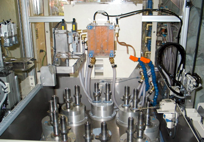 ターンテーブル型高周波焼入機